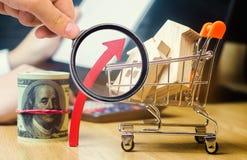 Pojęcie rynku nieruchomości przyrost Wzrost w lokalowych cenach Wzrastające ceny dla użyteczność Narosły interes wewnątrz zdjęcie royalty free