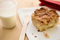 Pojęcie ulicznego karmowego Burek lub świeżego sera kulebiak, jogurt Zdjęcie Royalty Free