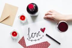Pojęcie walentynki list miłosny na białego tła odgórnym widoku Fotografia Stock
