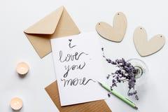 Pojęcie walentynki list miłosny na białego tła odgórnym widoku Zdjęcia Stock