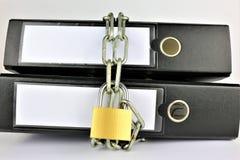 Pojęcie wizerunek falcówka z łańcuchami i kędziorkiem zdjęcia royalty free