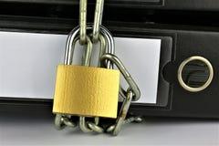 Pojęcie wizerunek falcówka z łańcuchami i kędziorkiem Obrazy Royalty Free