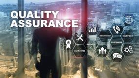 Pojęcie zapewnienie jakości i wpływ na biznesach Kontrola jakości Usługowa gwarancja Mieszani środki zdjęcie stock