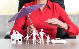 Pojęcie domu, rodziny i samochodu ochrony sprawozdanie, Fotografia Stock