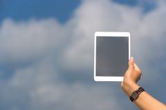 Pojęcie internet i komunikacja puste miejsce pastylki pusty comput Obrazy Royalty Free
