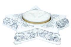 Pojedyncza boże narodzenie świeczka odizolowywa na czystym bielu Obrazy Royalty Free