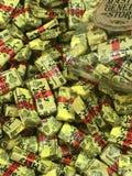 Pojedynczo Zawijający Mary Jane centu cukierek dla sprzedaży przy Ogólnym sklepem fotografia stock