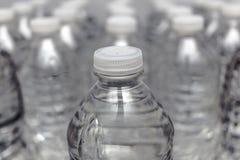 pojedynczy butelkowy white wody Zdjęcia Stock
