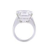 Pojedynczy diamentowy pierścionek. Obraz Stock