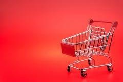 pojedynczy wózka na zakupy Zdjęcie Stock