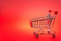 pojedynczy wózka na zakupy Fotografia Royalty Free