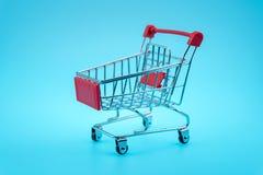 pojedynczy wózka na zakupy Fotografia Stock