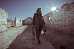 pojedynczy wojskowy dziewczyna white Fotografia Stock