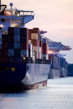 pojemniki dopłynęli portów statków fotografia stock
