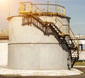 Pojemność dla magazynu robić od oilseed gwałta olej napędowy, produkcja biodiesel zdjęcia stock