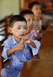 Pojkar i en skola i Myanmar Fotografering för Bildbyråer