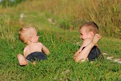 pojkar lyckliga två Royaltyfri Foto