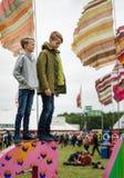 Pojkar på den Womad festivalen Royaltyfria Foton