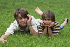 pojkar två Arkivbilder