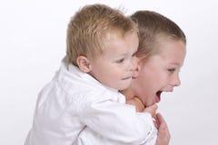 pojkar två barn Arkivfoto