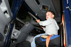 Pojke - chaufför Royaltyfri Bild