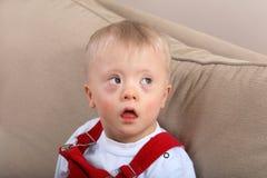 pojke Down Syndrome Arkivbilder