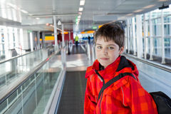 Pojke i flygplats Royaltyfria Foton