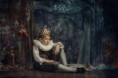 Pojke i kronan Royaltyfria Foton