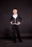 Pojke i official dresscode Arkivfoto