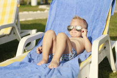 Pojke i solglasögon Royaltyfria Bilder