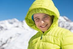 Pojke i vinterferie Arkivfoto