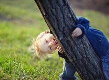 pojke little park arkivbild