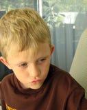 pojke little stående Royaltyfria Foton