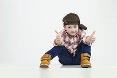 pojke little stilfull unge Fashion Children roligt barn Royaltyfria Foton