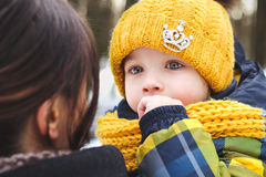pojke little vinter royaltyfri foto