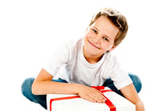 Pojke med gåvan Royaltyfria Foton