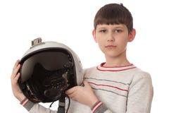 Pojke med hjälmen som isoleras på vit Royaltyfri Bild