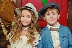 Pojke och flicka royaltyfri foto