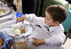 Pojke och tacksägelse Turkiet Fotografering för Bildbyråer