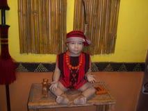 Pojke på museet Arkivbilder