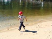 Pojke på stranden Royaltyfri Fotografi