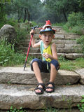 Pojke som gör en framsida Arkivfoton