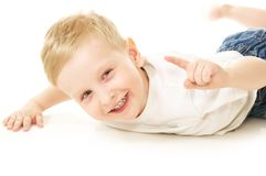 pojke som little skrattar Arkivfoto