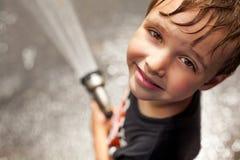 Pojke som svalnar av Royaltyfria Bilder