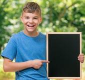 Pojke tillbaka till skolan Royaltyfria Bilder