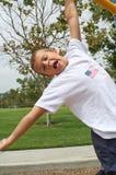 pojkehand som hänger en Royaltyfria Bilder