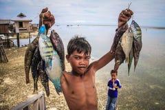 Pojken gick att fiska Royaltyfri Foto