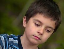 pojken har little att reflekteras Royaltyfri Fotografi