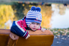 Pojken med blått synar Royaltyfri Foto
