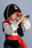 pojken piratkopierar Royaltyfria Bilder